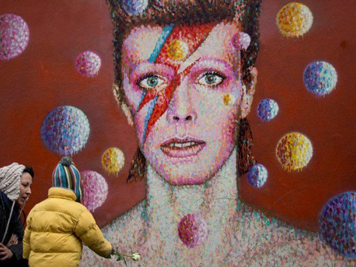 Davide Bowie feature